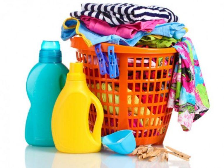 การซักและการพับเสื้อผ้า